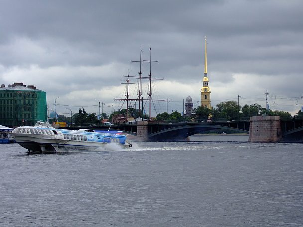 Tragflächenboot in St. Petersburg